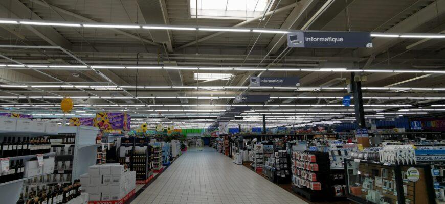 Relamping LED des 9 magasins CORA Belux